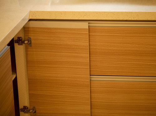 定制实木橱柜需要注意的事项有哪些?